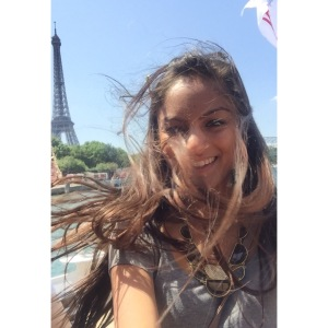 Selfies with the Eiffel Tower